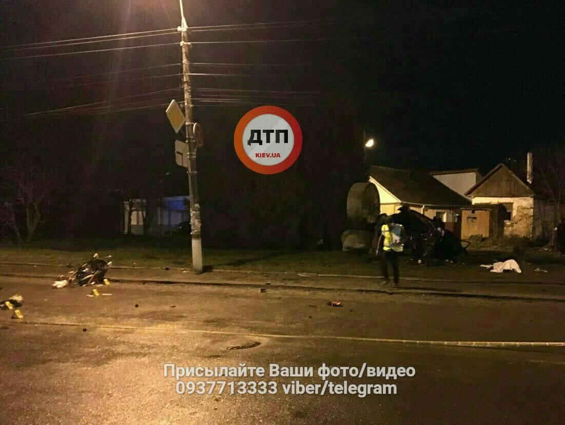 Під Хмельницьким збили жінку зколяскою: фото з місця смертельної ДТП