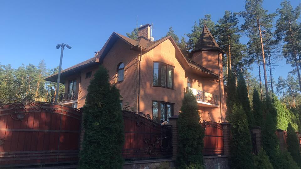 Над незадекларированным домом начальника департамента ГПУ изогнестрельного оружия сбили дрон