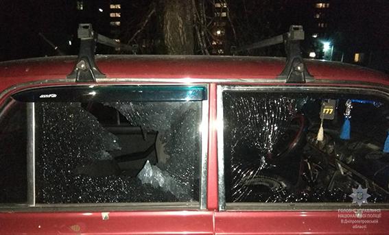 Водворе 5-этажки Каменского ночью произошел взрыв