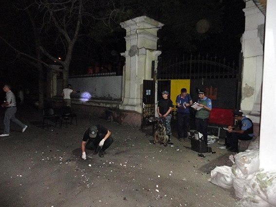 """6356493914e91c41ab171e3c6e37a88c Очередной теракт в Одессе: ночью подорвали штаб """"Самообороны"""" (фото)"""