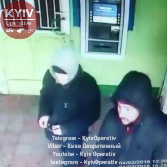 zreluyu-polnie-zhenshini-v-godah-pokazivayut-svoi-dirki-video-nd-slantsah-zrelaya-kuhne