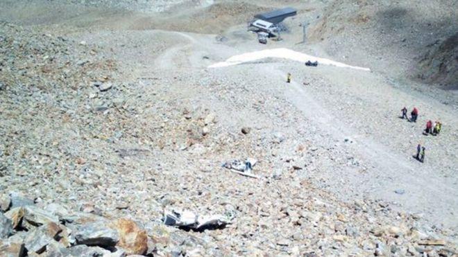 ВШвейцарии легкомоторный самолет упал налетний лагерь, двое молодых людей погибли