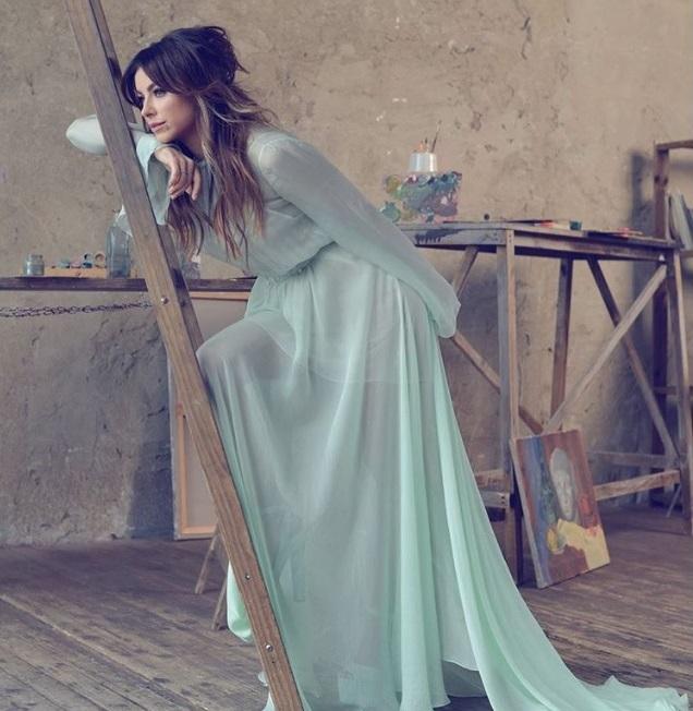 Популярная поп-звезда блеснула роскошными нарядами (1.03 13) ac2ef67ecd31c
