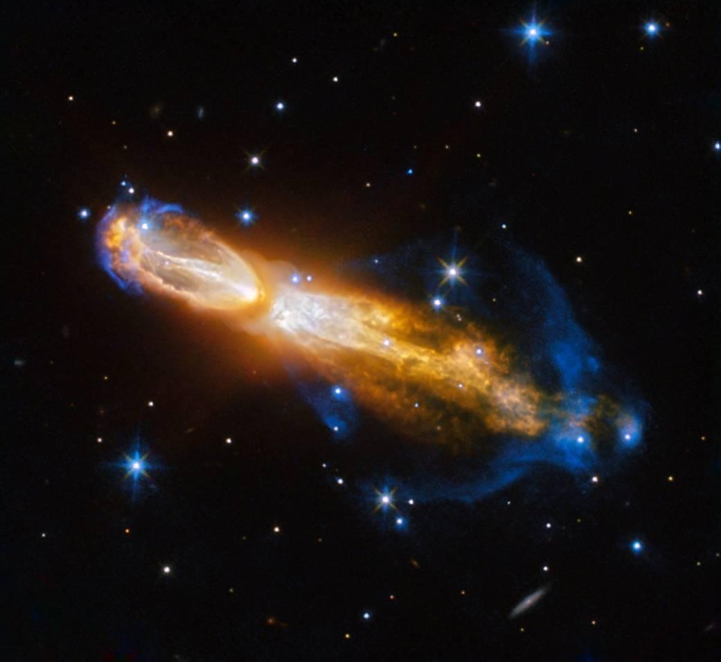 Hubble заснял смерть звезды втуманности «Тухлое яйцо»