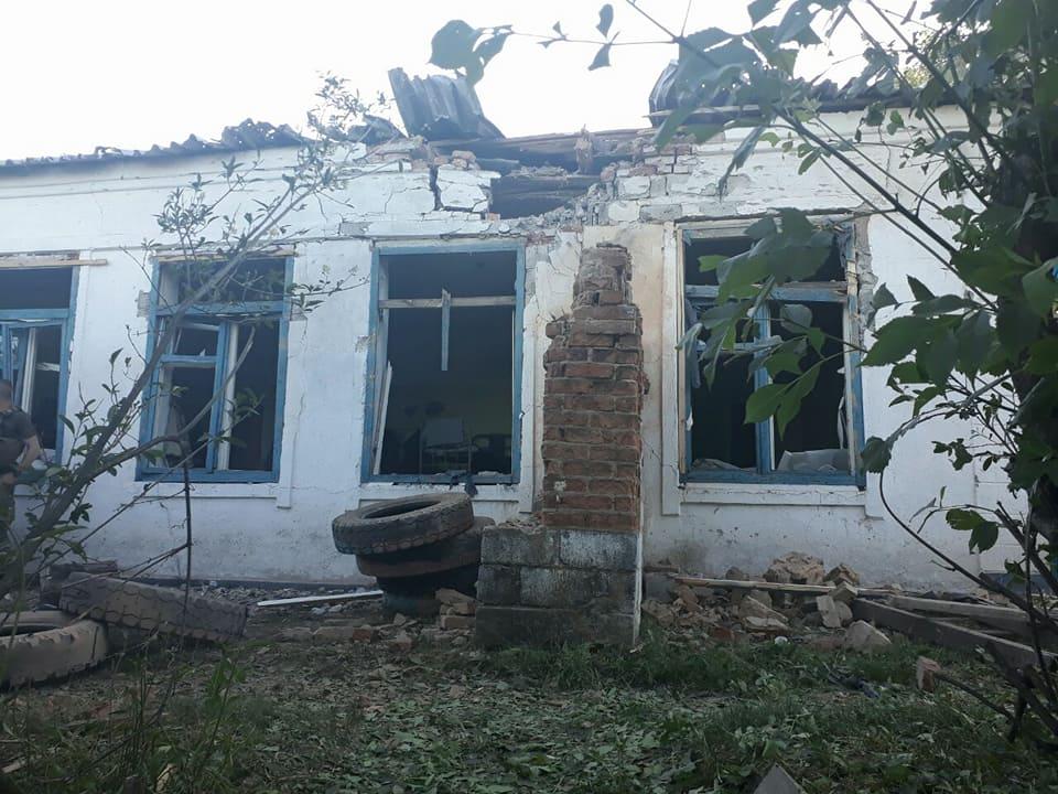 Украинские таможенники ивоенные попали под обстрел вПавлополе