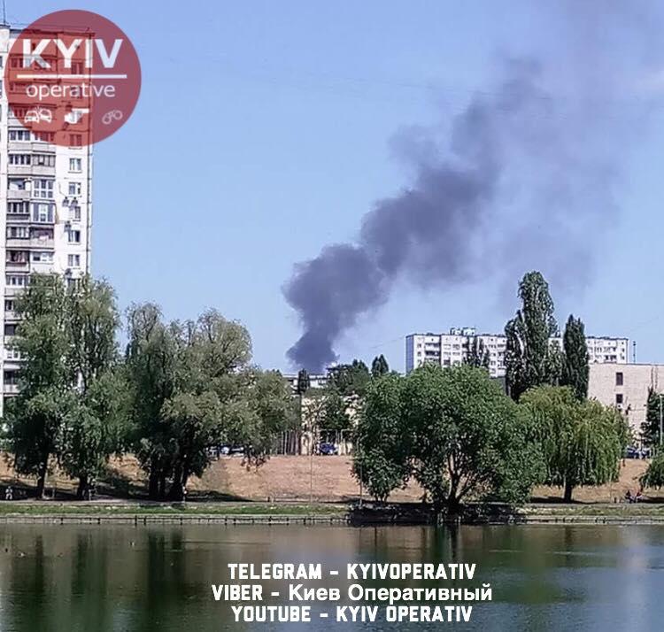 УДніпровському районі Києва сталася пожежа наСТО