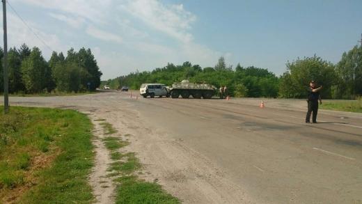На Рівненщині БТР врізався у мікроавтобус з Білорусі