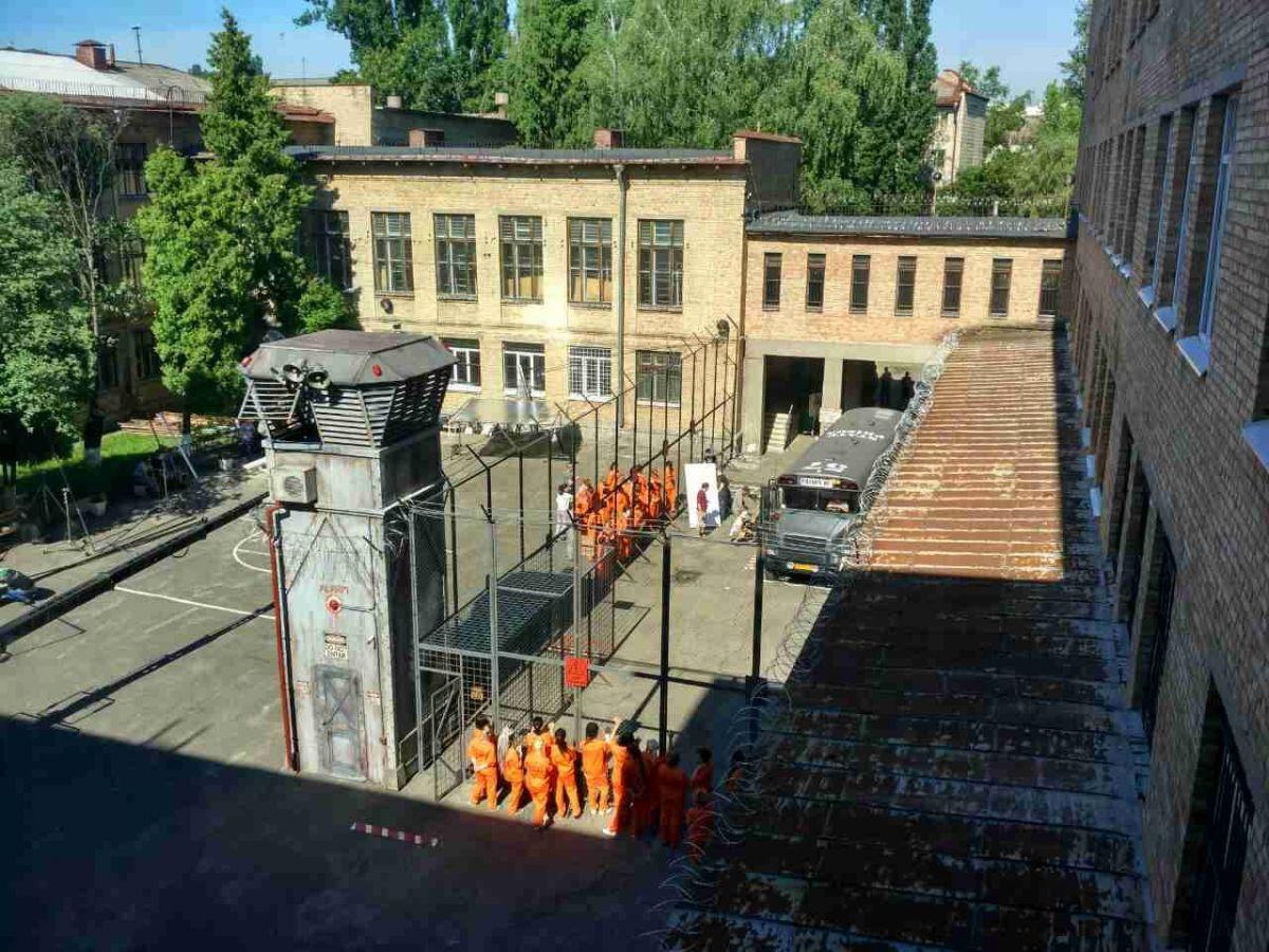 Киевская школа отлично подошла вкачестве декораций американской женской тюрьмы
