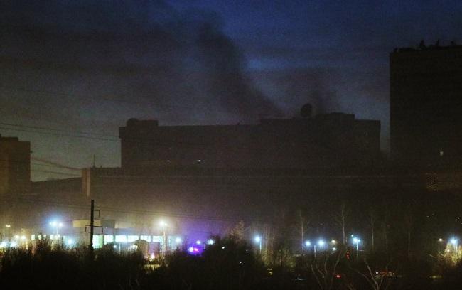 Моторошна пожежа вМоскві: горить військова частина, всередині залишилися люди