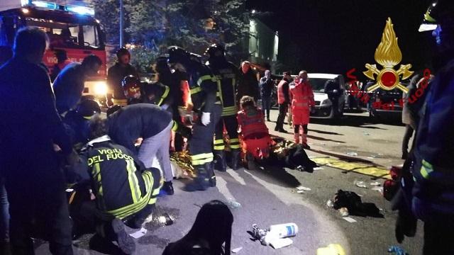 СМИ: шесть человек погибли из-за давки в ночном клубе в Италии