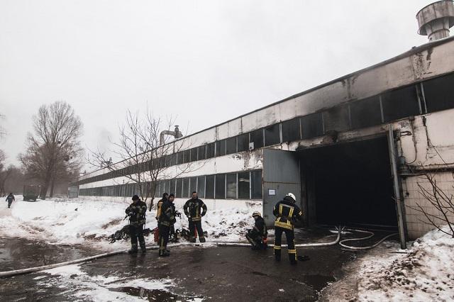 ВКиеве сгорело 4 автобуса настоянке вгараже