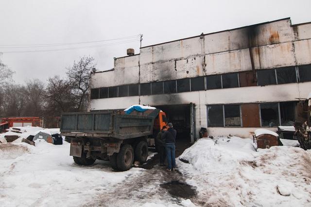 УКиєві під час пожежі вангарі згоріли чотири автобуси