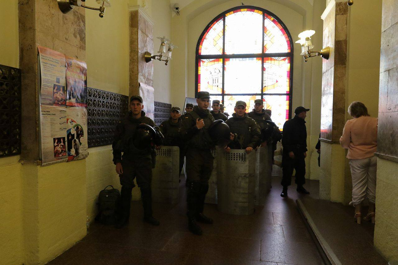 Садовый сказал подробности оштурме львовского горсовета