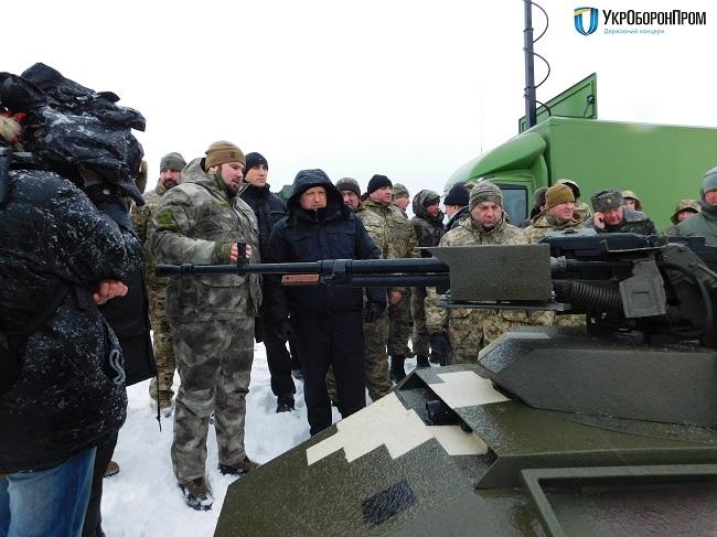 А.Турчинов посетил тестирования беспилотной боевой техники