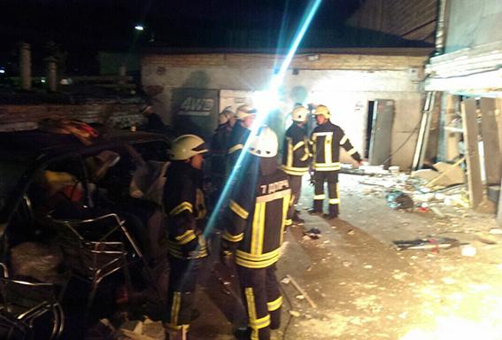Взрыв произошел вгаражном кооперативе столицы Украины