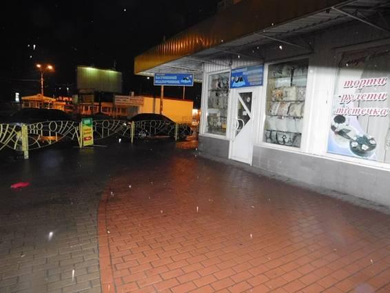 ВКиеве наПетровке произошла стрельба: размещены фото сместа происшествия