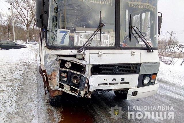 Смертельное ДТП с пассажирским автобусом произошло на Донбассе - фото 2