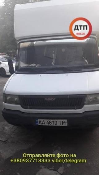 B Киеве остановили пьяного водителя рефрижератора который развозил протухшее мясо в детсады - фото 5