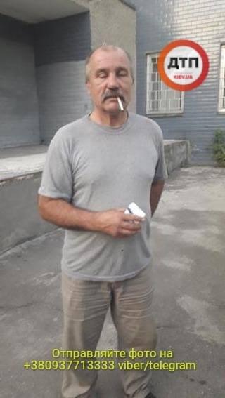 B Киеве остановили пьяного водителя рефрижератора который развозил протухшее мясо в детсады - фото 7