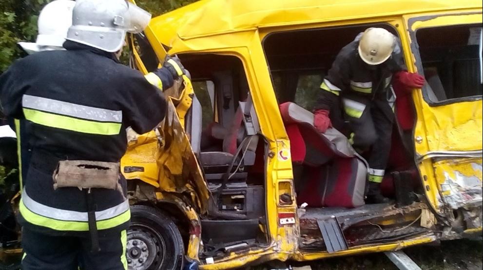 ВХмельницкой области врезультате дорожного происшествия погибли 4 человека