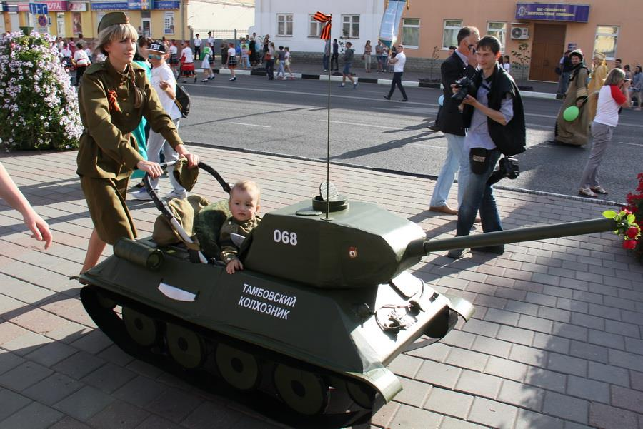 Коляска в виде танка картинки