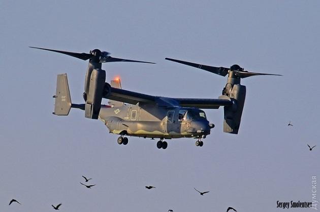 ВОдесі для дозаправки сіли конвертоплани морської піхоти США