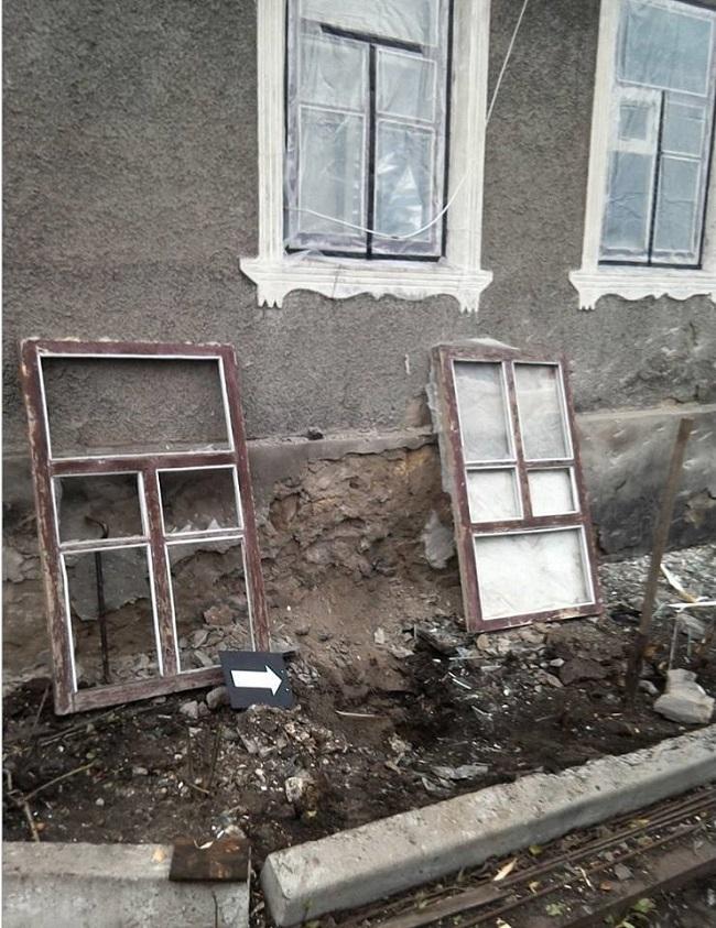 ВЛуганской области боевики обстреляли жилые дома поселка Трехизбенка— штаб АТО