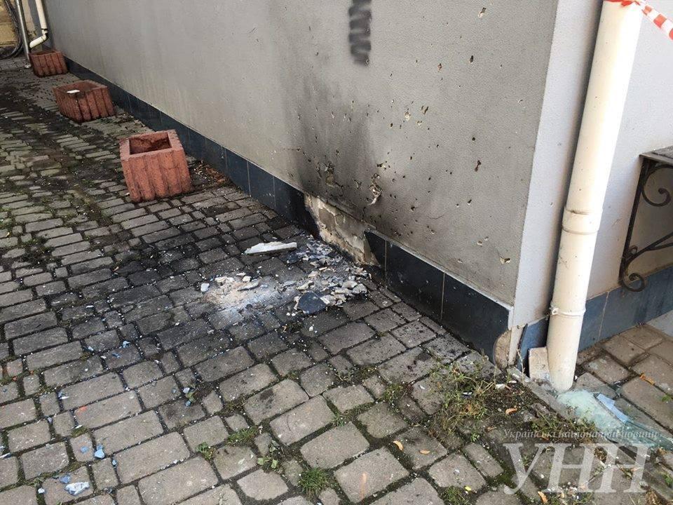 Картинки по запросу На Украине бросили гранату в офис ОБСЕ (ФОТО)