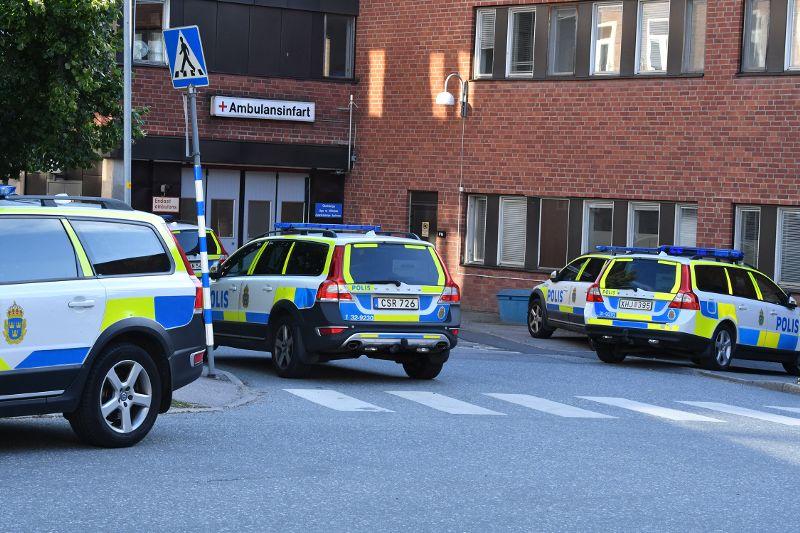 ВСтокгольме неизвестный вбронежилете ранил 2 человек