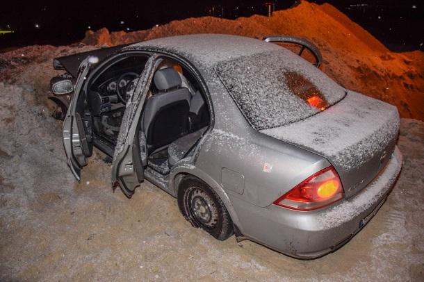 Узлощасний котлован наБогатирській залетіла щеодна автівка