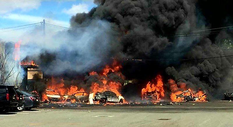 УСША розбився пасажирський літак: опубліковано фото з місця аварії