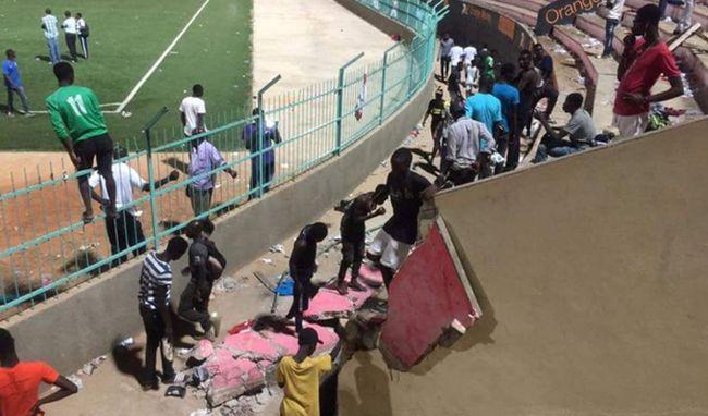 В итоге обвала стены стадиона вСенегале погибло восемь человек