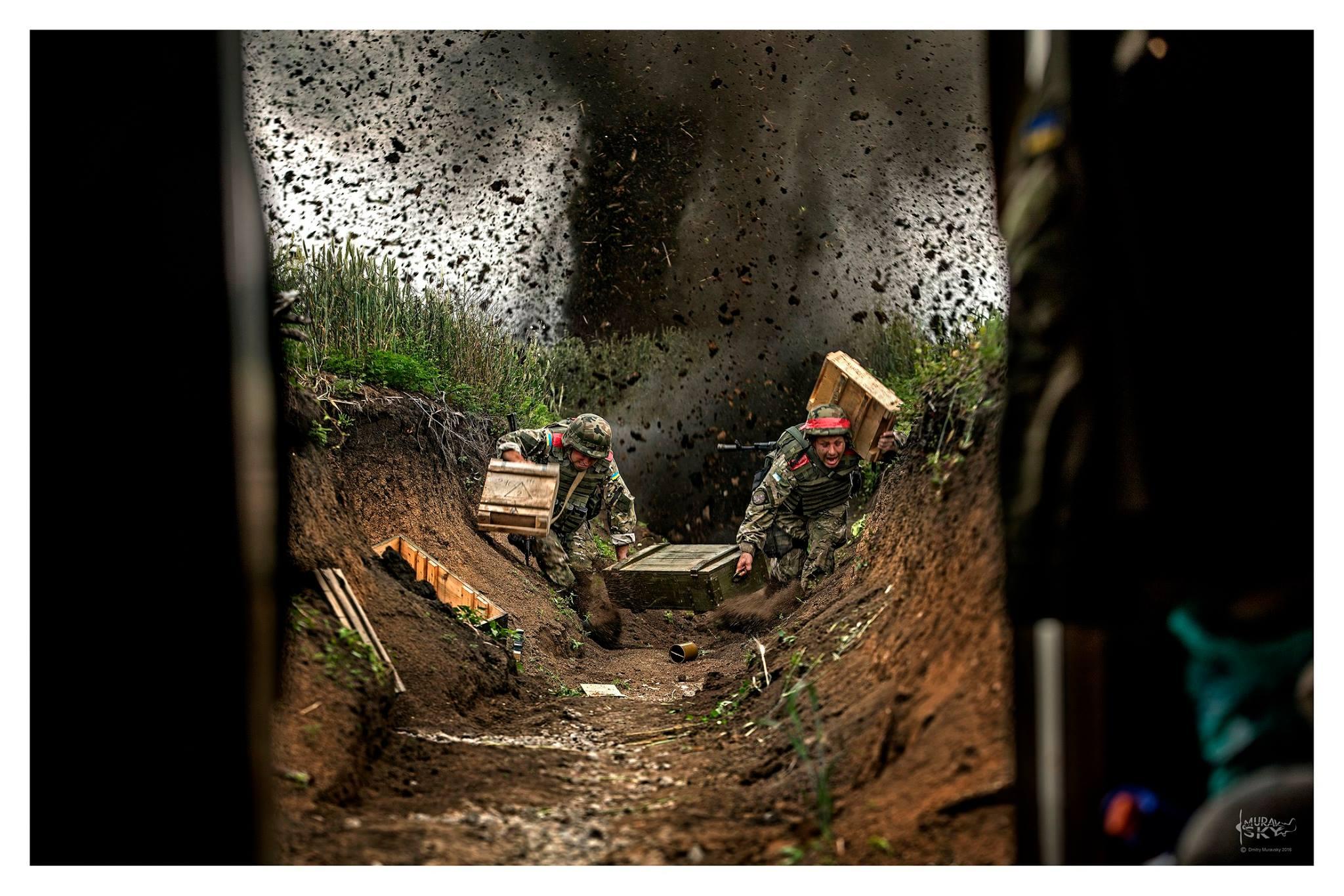 Полторак уволил фотографа Муравского, которого заподозрили в обнародовании постановочных снимков из зоны АТО - Цензор.НЕТ 3265