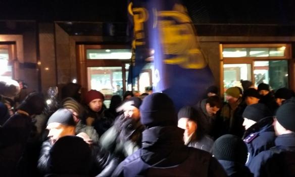 ВКиеве произошла драка активистов и милиции из-за выступления «Потапа иНасти»