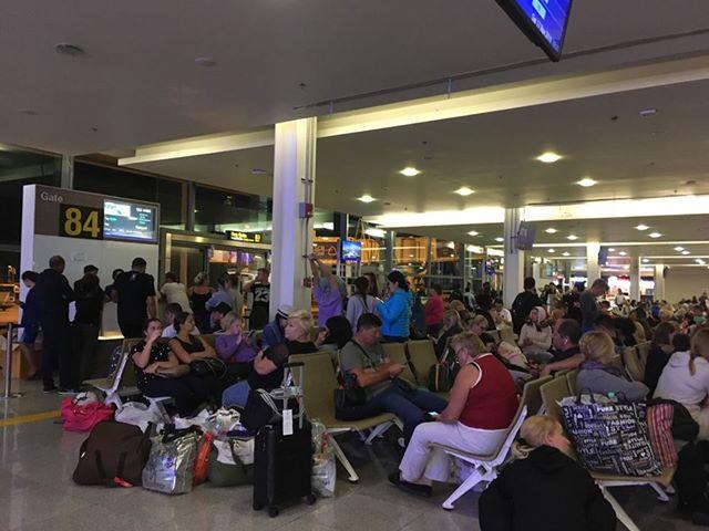 Около 300 украинцев не могут вылететь из аэропорта Таиланда в Украину