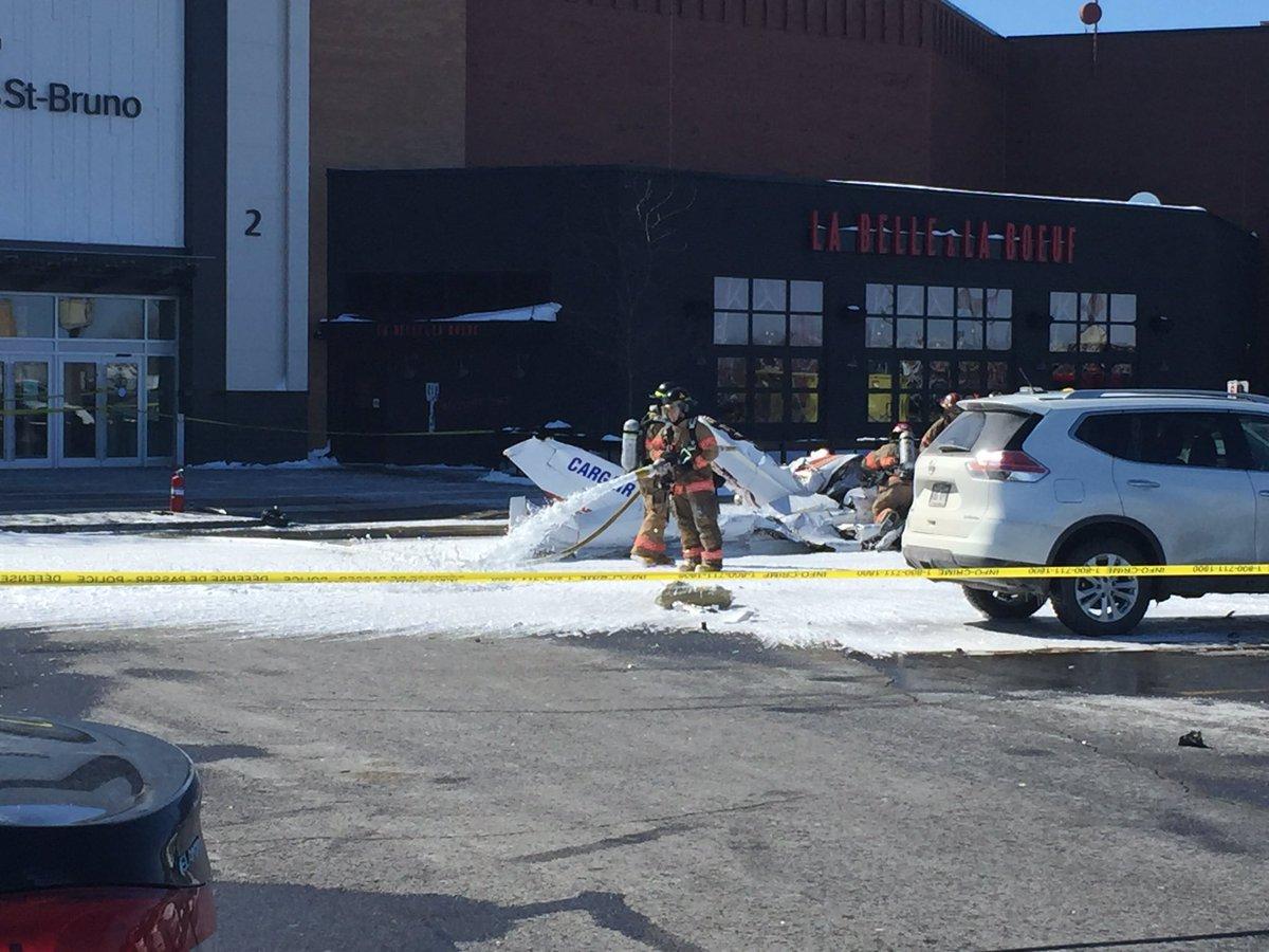 Умер пилот после столкновения 2-х самолетов надТЦ вКанаде