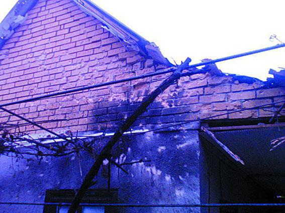 ВМарьинке обстрелом повреждены дома