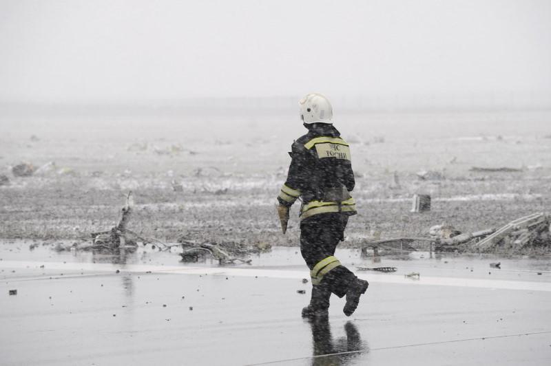 З'явилися нові кадри з місця аварії Boeing в Ростові - фото 2