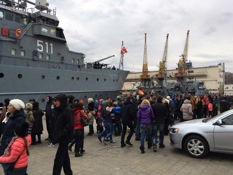 ВЧерном море корабли НАТО ищут «мины»