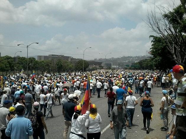 Майдан в Венесуэле: опубликованы впечатляющие фото и видео протестов