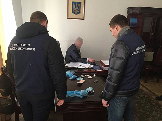 ГФС отстранила отработы все руководство Львовской таможни