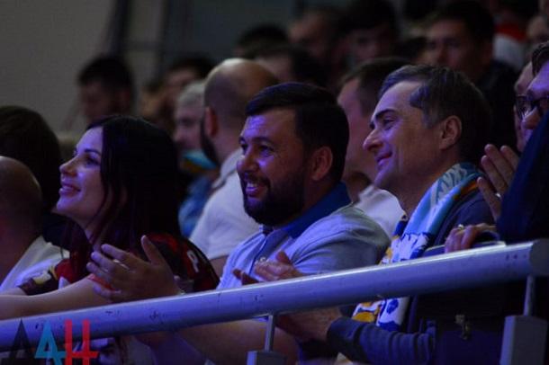 Накануне инаугурации Зеленского Сурков вРостове встретился сглавой ДНР