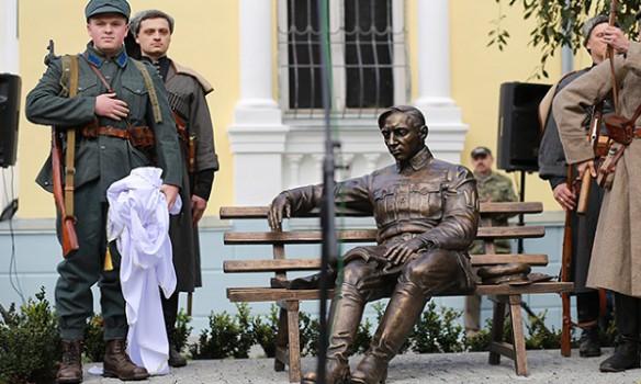 Путін: Пам'ятник Петлюрі у Вінниці поставив неукраїнський народ
