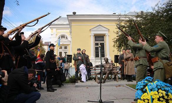 Путин оконфузился сПетлюрой иисторией Украины