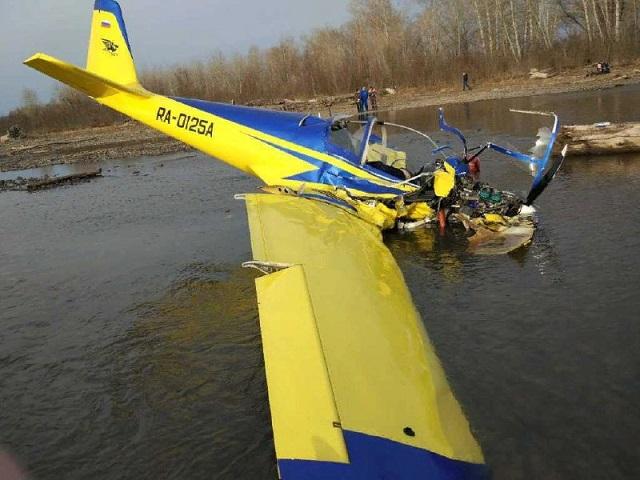 Внаслідок падіння літака вРФ загинули дві людини