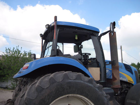 Взоне АТО трактор подорвался намине— шофёр отделался легкой контузией