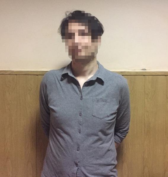 ВКиеве иностранец грозил ножом пассажирам настанции метро