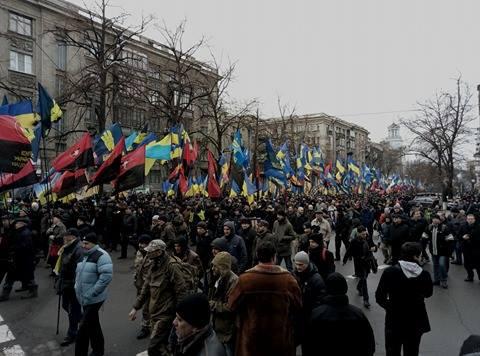 ВКиеве «Правый сектор» и«Свобода» вышли намарш: появилось видео