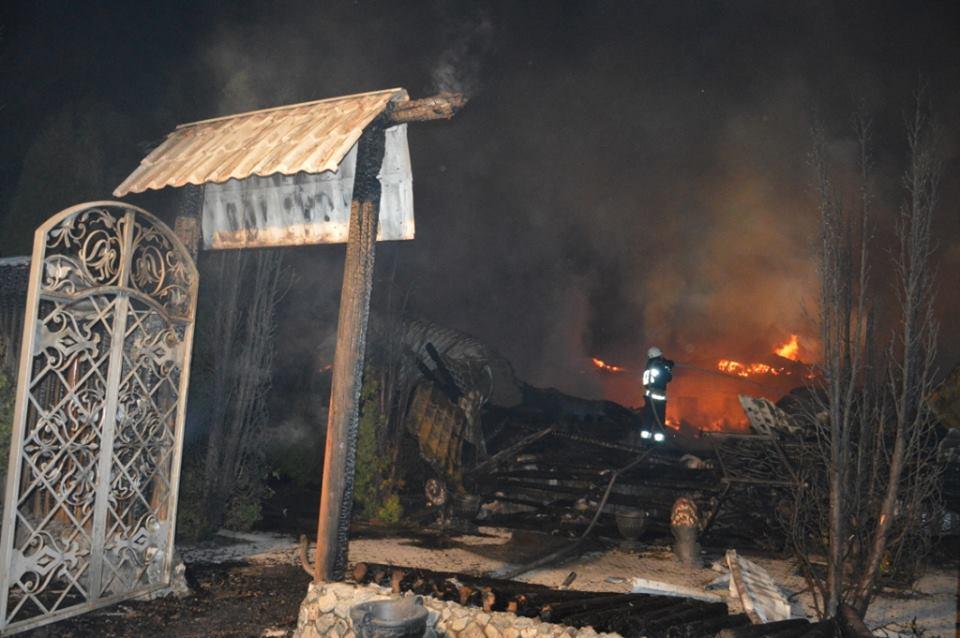 ВДнепре масштабный пожар: горел ресторанный комплекс