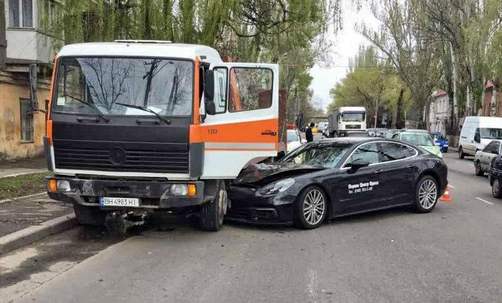 Больно смотреть: вОдессе разбили автомобиль затри млн. грн